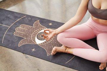 Ekologiczna mata do jogi Moonholi z nadrukiem (1)